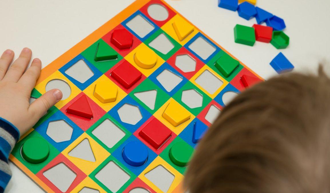 Tangram montessori : bienfaits et apprentissage
