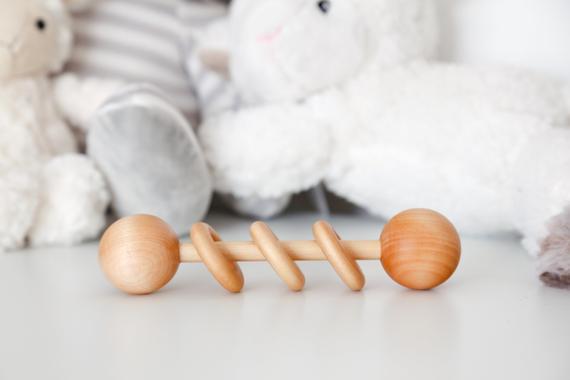 choisir un hochet Montessori