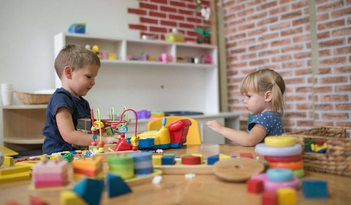 Les jouets Montessori indispensables pour bébé de 3 ans